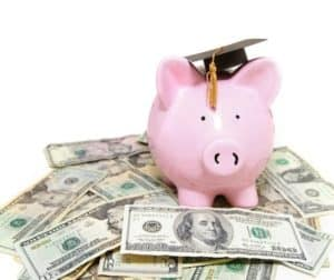How to save money effectively as a student